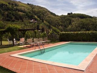Casa Speri restored farmhouse with private pool, Pescia