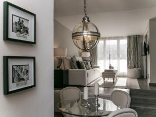 Lets Barcelona Center Penthouse + private terrace!