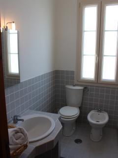 First floor ensuite bathroom