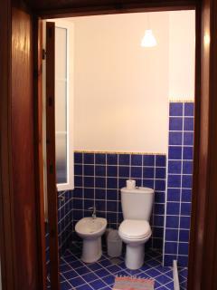 Ground floor ensuite bathroom 2