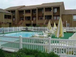 BEAUTIFUL BEACHFRONT CONDO WITH POOL, Brigantine