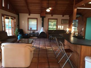 Spacious Room in Treetop Bungalow, Tavernier