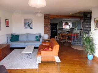 Spacious house-Porth-sea, sand and surf! sleeps 6, Newquay
