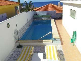 3-bedroom Bella Villa next to Callao Salvaje beach