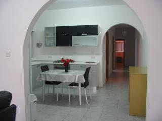 ATTARD - Cheap and Clean - Entire Apartment - Sleeps 2 - 7+