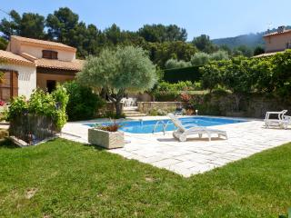Picturesque provencal villa with private pool, Ceyreste