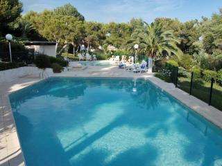 Riviera flat with stunning view, Villeneuve-Loubet