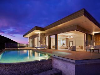 Oil Nut Bay - Cliff Penthouse Suite