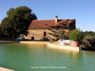 Queytival, Maison de la Source,charme,tranquillité, Sainte Nathalene