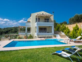 New Sea View & Quiet Villa with private pool & BBQ, Platanias