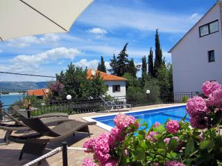 Maca Apartments -Ap (2+1), Trogir