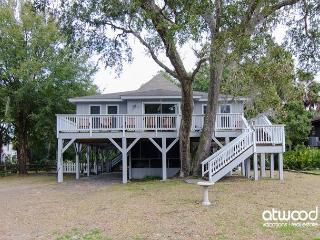Someday - Adorable Beach Walk Home with Abundant Amenities, Edisto Island