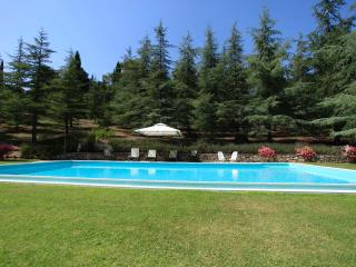 Tuscan Farmhouse in private village, with pool, Cetona