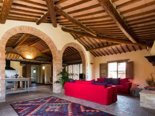 Montecaprili farmhouse: Archi apartment, Montalcino