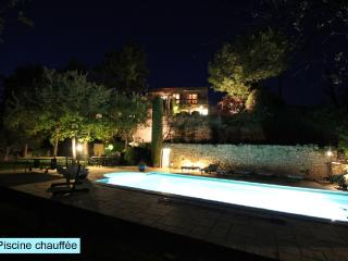Luxury house in Provence with panoramic views, heated pool.