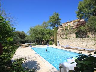 Charming and High Quality House, Heated Pool