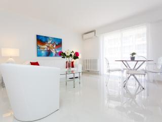Modern 1 bedroom apartment 213, Cannes