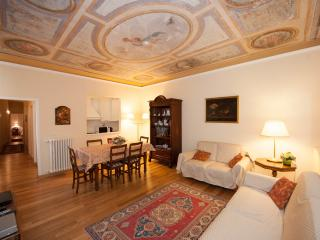 Central apartment in Florence, three bedrooms, sle