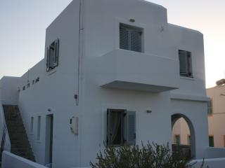 5 PAX APT w SEA VIEW, Naoussa