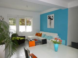 Perfect location! 50 M from beach and restaurants, Dinard
