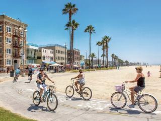 Santa Monica Mar Vista Guest House, Pool, bikes