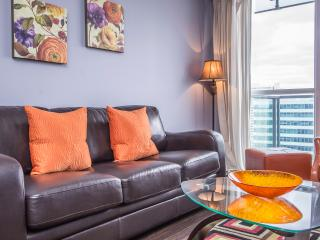 Maryam Suites -Republic. Fully Furnished 1BD Suite, Toronto