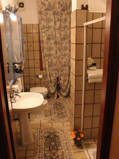 Bathroom Of VENICE HOLIDAY APARTMENT RENTAL