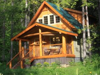 Wedgwood Estate Cabins Kootenay Lake, B.C., Nelson