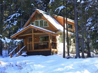 Wedgwood Estate Cabins, Kootenay Lake,Crawford Bay, British Columbia