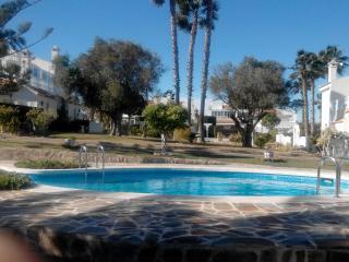 Bungalow in Punta Prima, beautiful garden & pools, Alicante