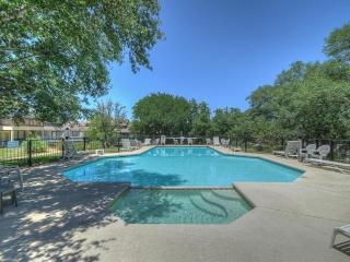 Spacious Townhouse with Beautiful Lakeview