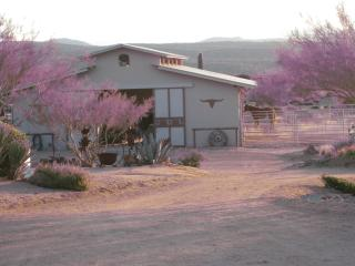 2 bedroom luxury suite, Rio Rancho Verde, 62 acre Eco-Ranch on the Natl Forest