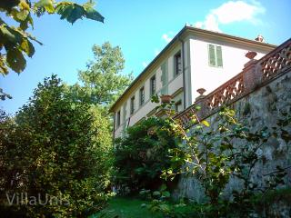 Villa Unis - Noble Summer Residence with gardens, pool and amazing views