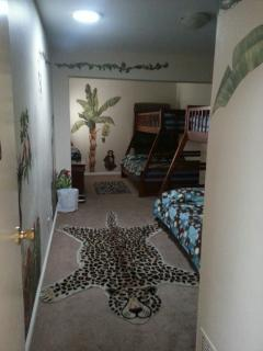 This is a huge and great jungle room 2 double bed and two twin beds