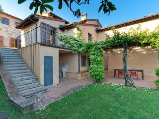 Villa Licia is a charming villa near Lucca that accommodates up to 20 guests and