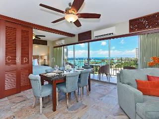 Luxury 2 bed/2 bath corner Waikiki Shore condo w/ocean views! Free parking!, Honolulu