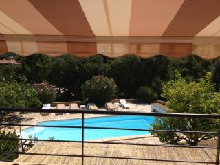 Villa avec studio (les deux sont climatisee) et piscine prive