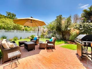 Private family home with spacious yard - walk to Windansea Beach, La Jolla