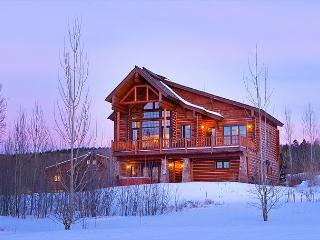 4 Bedroom Luxury Log Cabin - Sleeps 12 - Close to Jackson Hole!