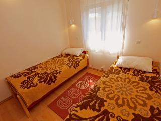 Apartment 1279