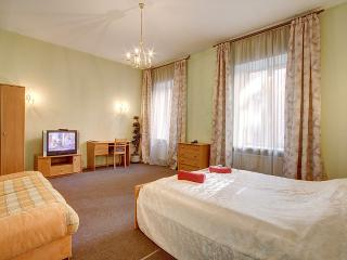 3 rooms on Pushkinskaya street, St. Petersburg