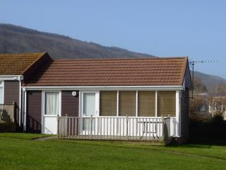 9 Golden Bay Holiday Village Beach Cottage, Westward Ho