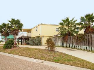 Seabreeze, 2/1, Gulf Views, WIFI, Pet Friendly, Large Deck, Walk to Beach, Port Aransas