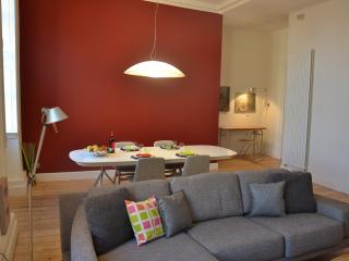 Nice apart near the river for 4 pers / rue Ausone, Burdeos