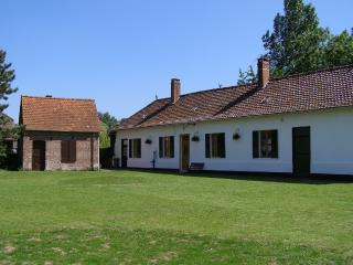 Beautiful Traditional Farmhouse in Quiet Village, Hesdin