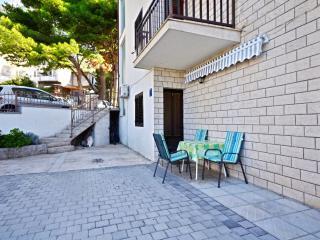 Apartments Marinko - 37171-A1, Makarska