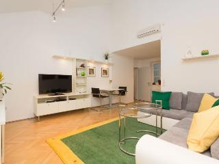 Eßlinggasse apartment in 01. InnereStadt {#has_lu…, Vienna