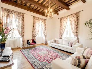 PANTHEON - SPANISH STEPS APARTMENT 3, Roma