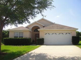 Beautiful 4bed/3bath Florida Pool/Spa Home, Kissimmee