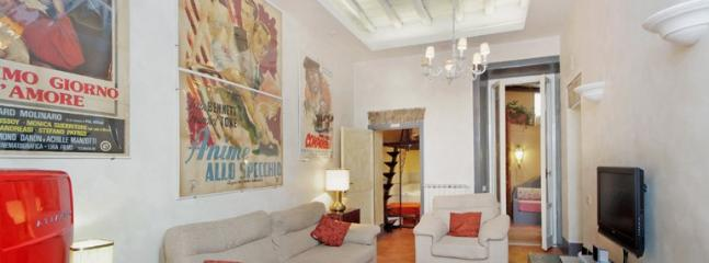Charming, Homely Apt. steps away from the Coliseum, Rome